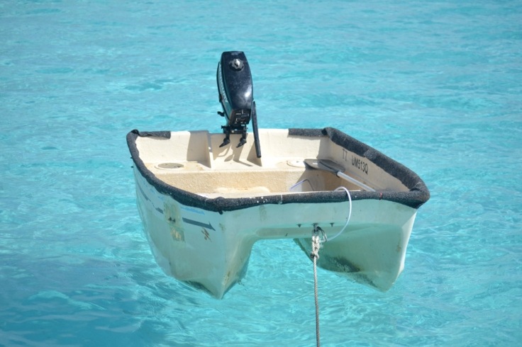 08_hovering dinghy